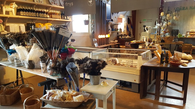 Handmade gifts and delicateses from ostriches.